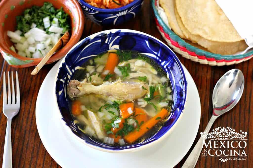 caldo de pollo | recetas mexicanas