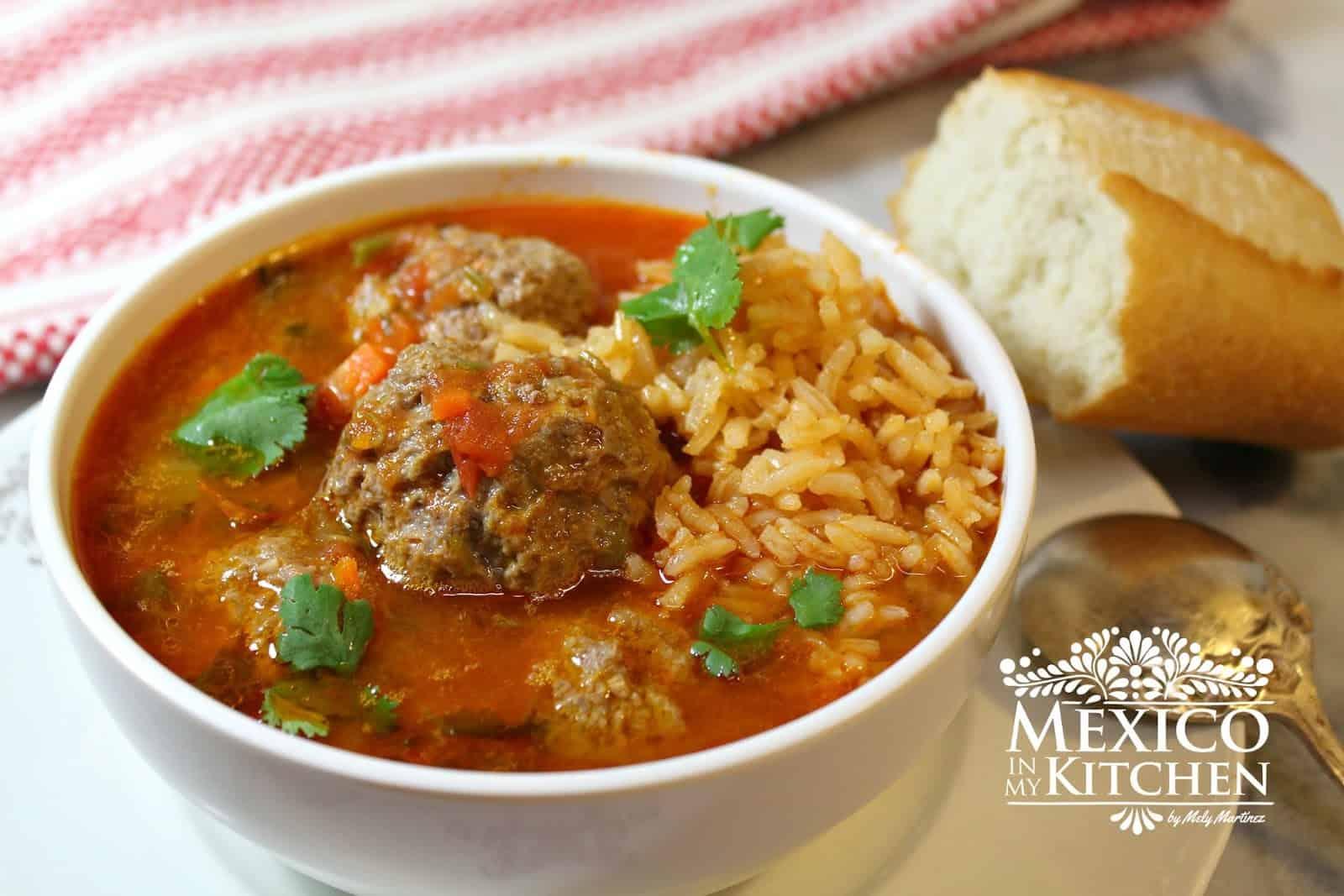La cl sica sopa de alb ndigas recetas de comida mexicana - Albondigas tradicionales ...