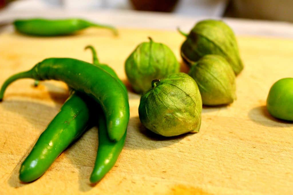 salsa verde, chiles