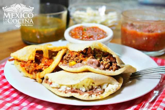 Gordita mexicana gozando con la verga en el culo - 2 part 3
