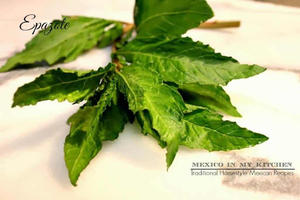 frijoles de la olla, hojas de Epazote