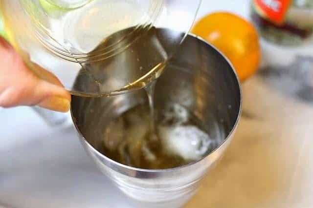 Cóctel margarita, sirva en tu vaso preparado