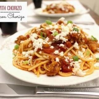 Espagueti con Chorizo en Salsa de Tomate