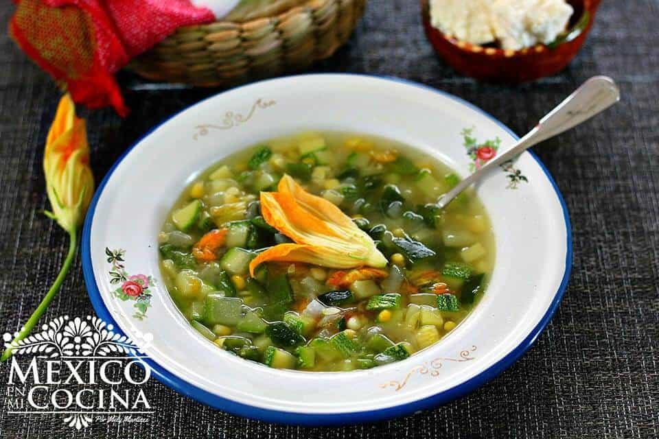 Sopa de Milpa, lista para comer