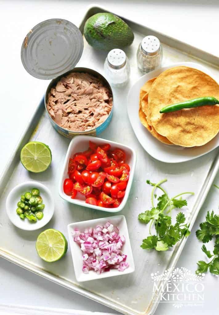 Ingredientes para preparar esta receta Tostadas de Ceviche de atún enlatado