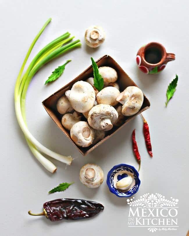 Hongos guisados, ingredientes