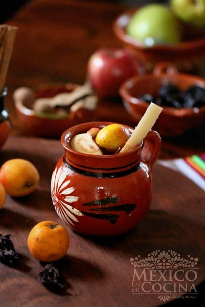 Receta tradicional de ponche de frutas navideño mexicano - 1s