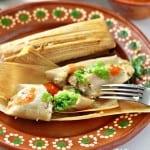 Tamales de pollo salsa verde