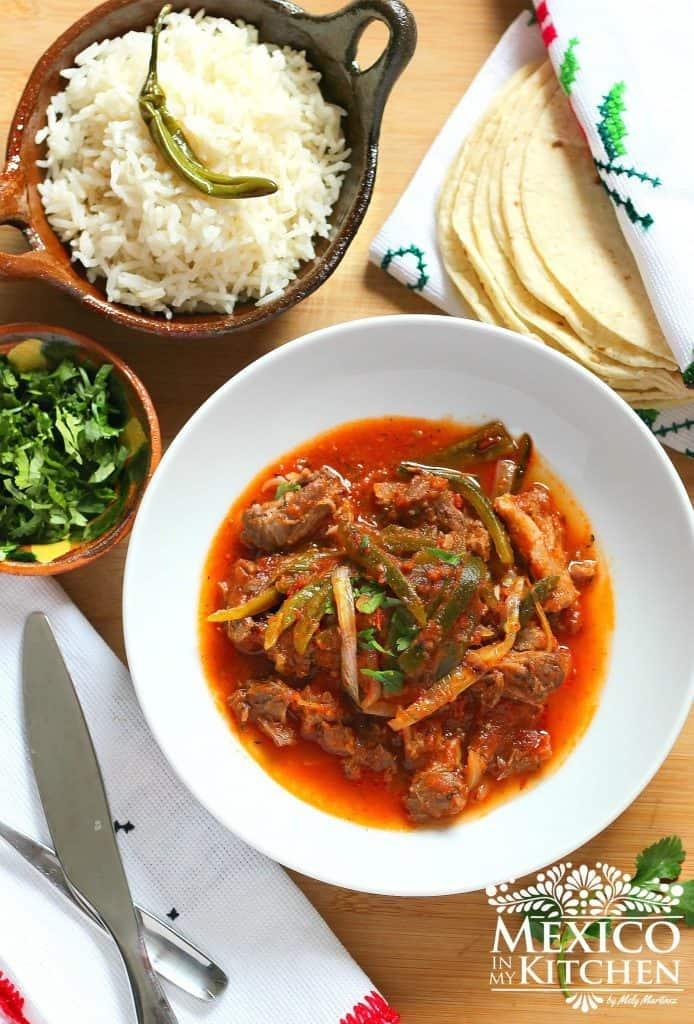 Estofado de cola de res con chiles Poblano | Recetas de Comida Mexicana