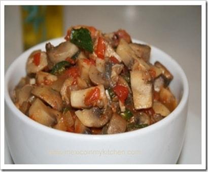 Quesadillas de masa de maíz | Recetas de Comida Mexicana