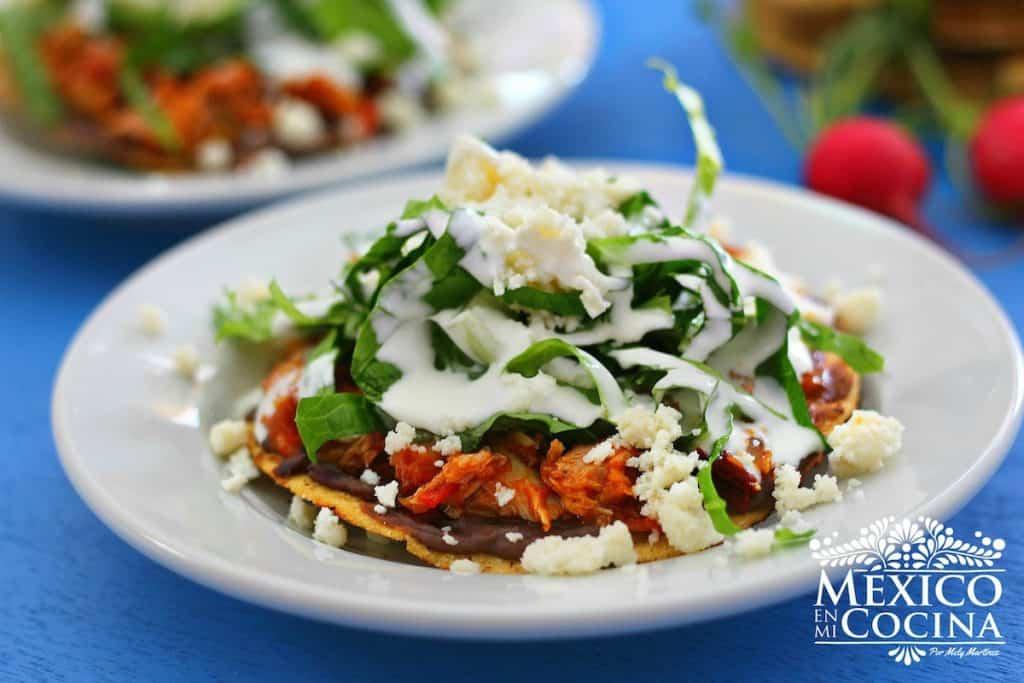 Tinga de atún tostadas - Receta de cocina mexicana