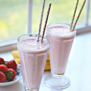 Receta Licuado de Yogurt con fresas y plátano
