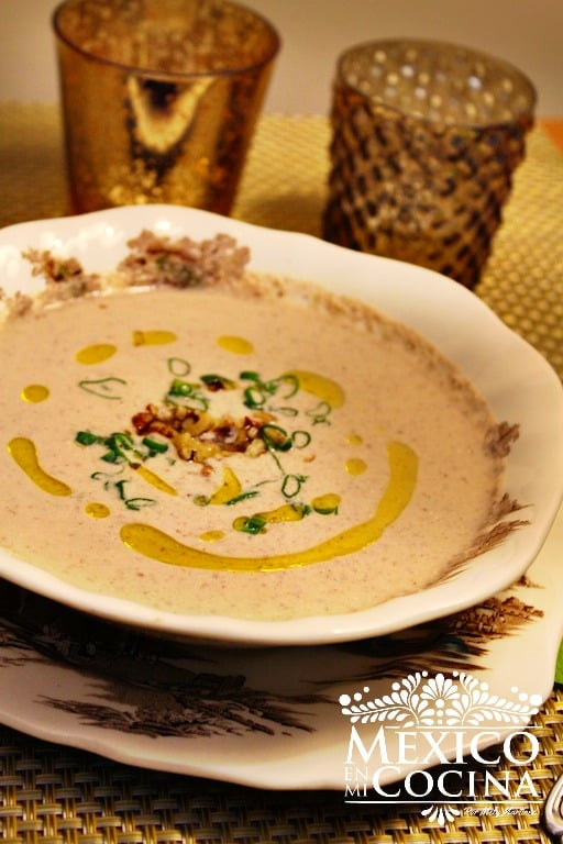 Sopa de Crema de nuez receta | Recetas Mexicanas