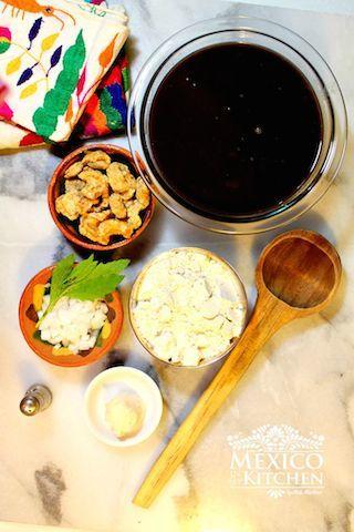 Ingredientes para preparar Receta de Chochoyotes con frijoles negros - recetas mexicanas