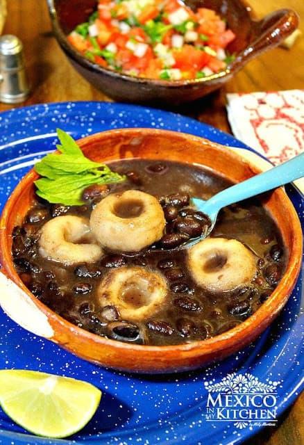 Receta de chochoyotes con frijoles negros - recetas mexicanas