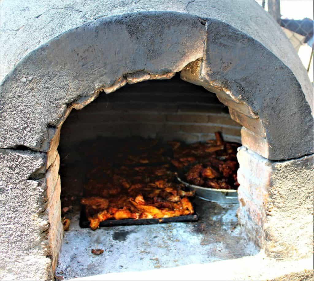 Horno de barro y cochito al horno