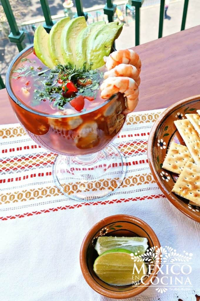 Vuelve a la vida coctel de mariscos receta