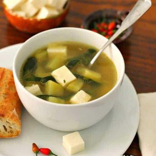 Sopa de papa y poblano